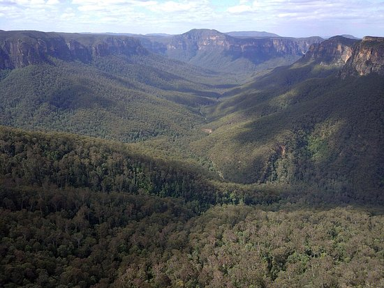 Evans Lookout: Govetts Creek Valley