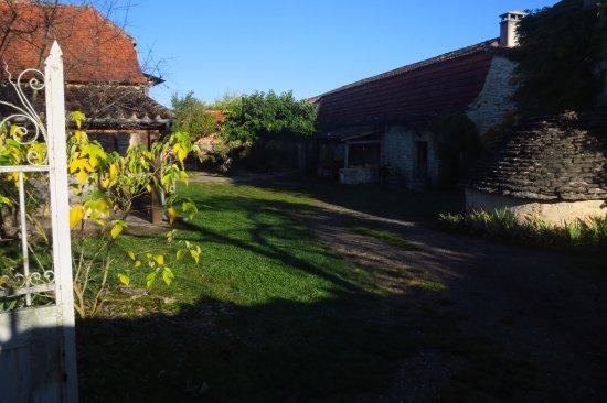 Calvignac, Francia: la grange où se trouvent les chambres et la salle à manger