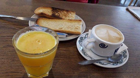 Ordes, Spanyol: desayuno de tostadas