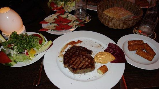 entrecote med kroketter og salat picture of buffalo grill berlin tripadvisor. Black Bedroom Furniture Sets. Home Design Ideas