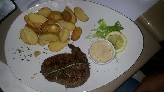 Edenvale, Sør-Afrika: Rump steak. Done to perfection.