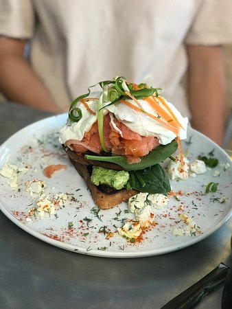 Dongara, ออสเตรเลีย: The new Summer Menu by Chrissy at Seaspray. Smashed avocado with salmon, avocado with bacon and