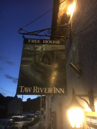 Taw River Inn and Holiday Cottage: Outside