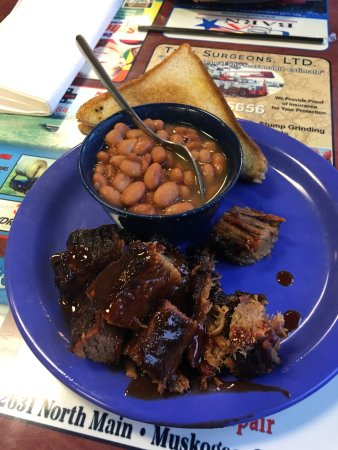 Runts Bar-B-Q & Grill: My burnt ends lunch. YUM!