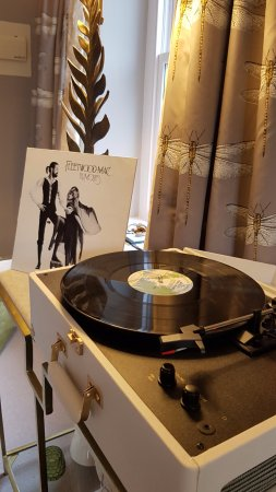 Lupton, UK: Proper record player!