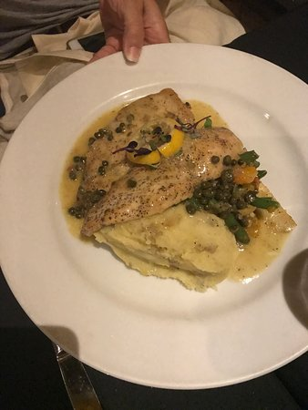 Maitland, FL: Eggplant, salmon salad, chicken piccata all delicious