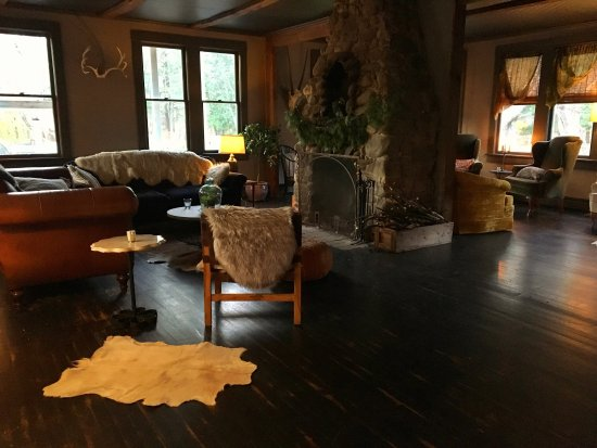 Mount Tremper, NY: Foxfire Mountain House