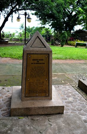 Monument in honor of the American soldiers killed at Plaza Cuartel