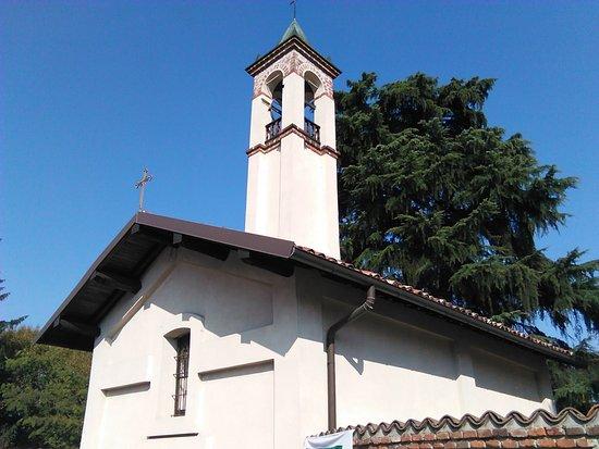 Cascina Favaglie: La chiesetta,restaurata