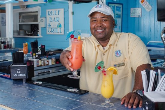 """Hope Town, Elbow Cay : """"Gary"""" Bartender"""