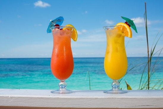 Hope Town, Elbow Cay : refreshing drinks at ou reef bar & grill