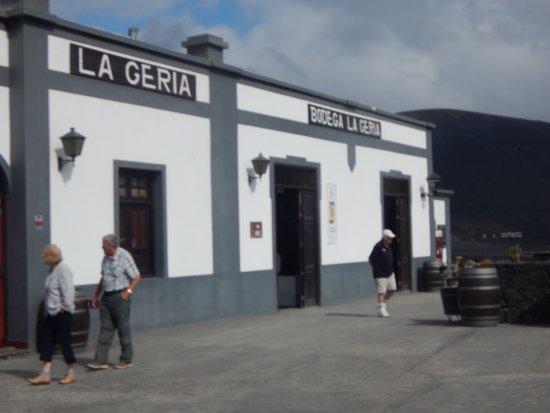 La Geria, Espanha: The front of the building