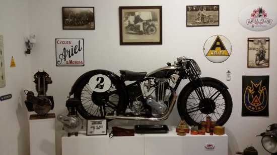 Museum of Transport: Ariel motorbike