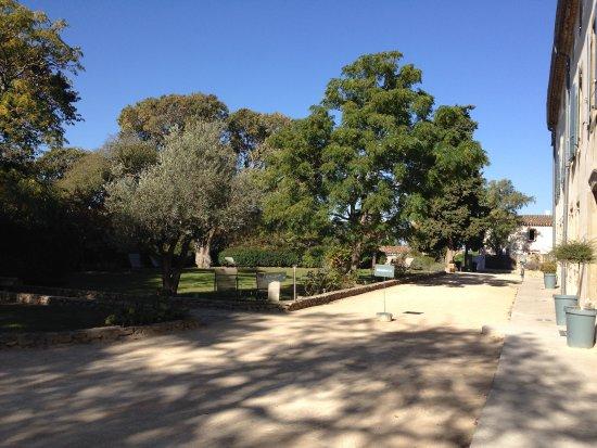 S Comme : Walk past Chateau Palaja to S'Comme.