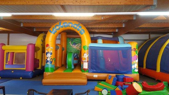 Plourin-les-Morlaix, Francia: Structures gonflables pour les enfants de 2 à 12 ans !