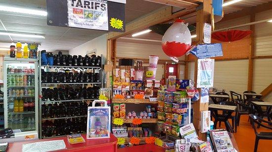 Plourin-les-Morlaix, Francia: Restauration rapide, boisons chaudes & fraîches, glaces, confiseries...