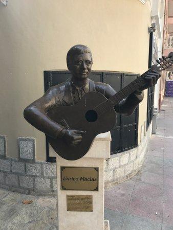 Dario Moreno Sokagi