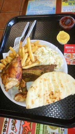 Riverview, FL: Chicken, Rip, Krautsalat, Pita und Pommes, Barbeque Sauce extra