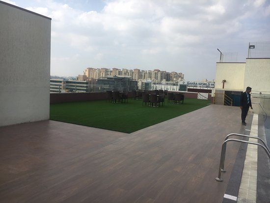 New property, great location, Beautiful rooftop restaurant