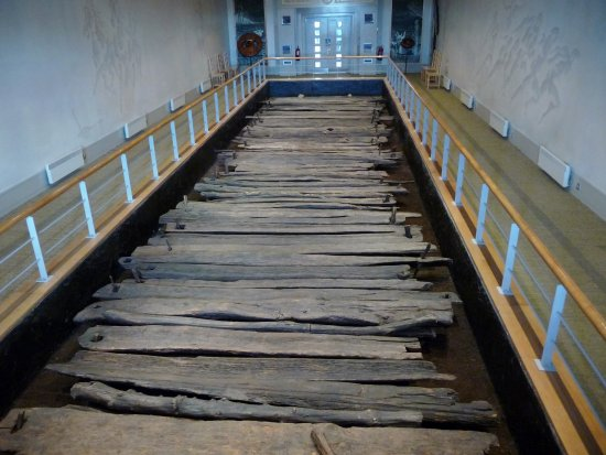 Keenagh, Irlanda: the preserved ancient wooden road discovered in a bog