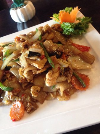 Greenfield, IN: This is Pad Kee Mao (Drunken Noodles) fantastic!