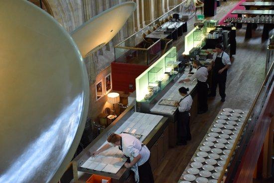 Kruisherenhotel Maastricht: מכינים ארוחת גורמה