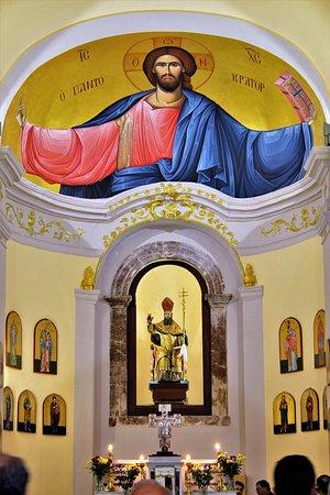San Marco D'Alunzio, إيطاليا: L' interno di una Chiesa !!!