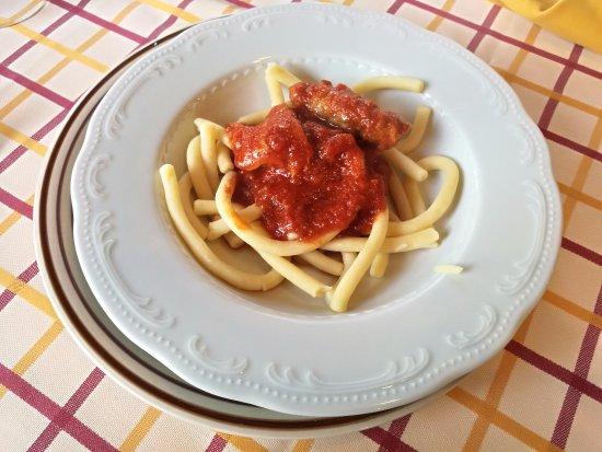 Montalbano Elicona, Италия: Maccheroni al sugo di maiale (mezza porzione)