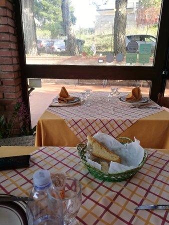 몬탈바노 엘리코나 사진