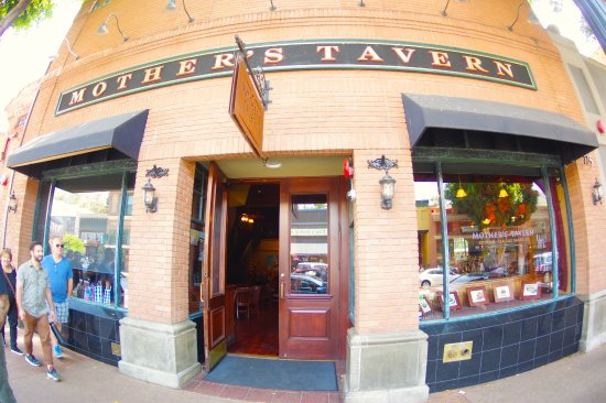 Mother's Tavern : Right on the main strip of dow