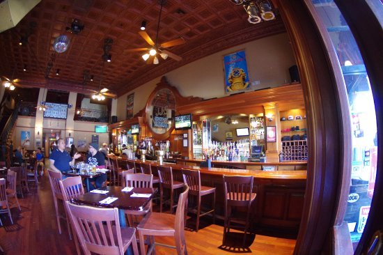 Mother's Tavern : A good time to get a cold one