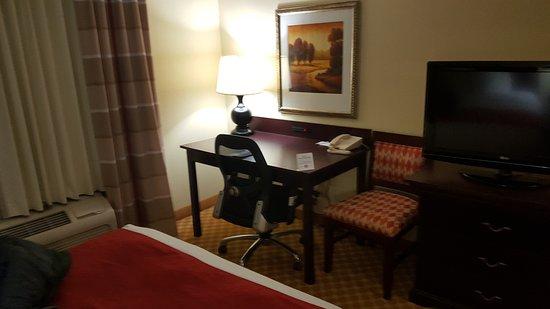 Country Inn U0026 Suites By Radisson, Princeton, WV: Desk Area