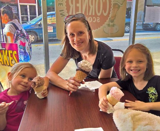 Newberry, Carolina del Sur: Ice Cream with Mom!