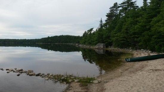 Kejimkujik National Park, Καναδάς: Kanu am Strand. Natur pur.