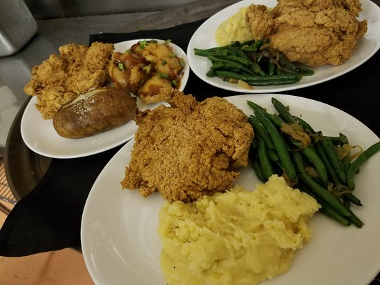 Red Bud, IL: Fresh Sauteed Green Bean, Yukon Gold Mashed Potatoes, Boneless half chicken