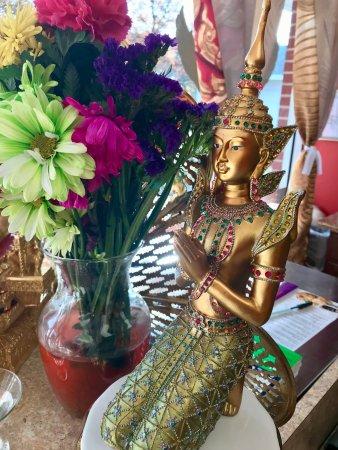Westford, MA: Thai traditional costume statue