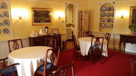 Francis Malbone House Inn: 1102171348_Burst04_large.jpg
