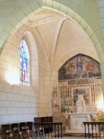 Le Grand-Pressigny, França: les beaux jeux de reflets