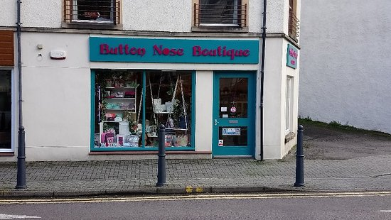 ‪Button Nose Boutique‬