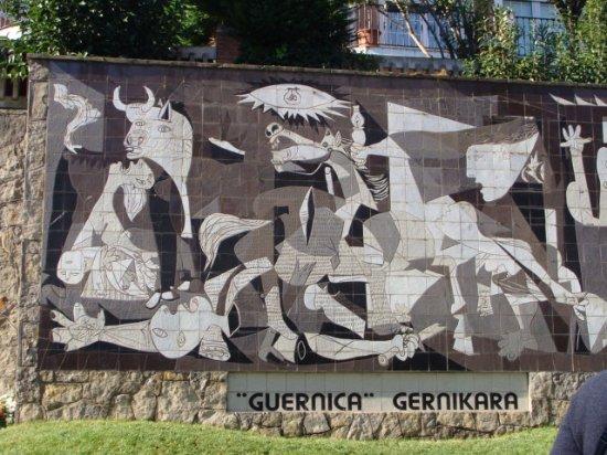 "Mural del ""Guernica"" de Picasso"