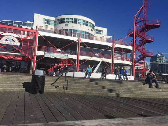 Nord-Vancouver, Canada: Lonsdale Quay Market - 3