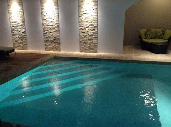Hotel Flor de Sarta: Swimming Pool