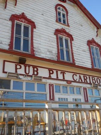 Perce, Canadá: Pub Pit Caribou
