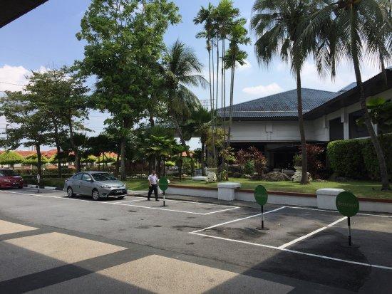 Holiday Inn Kuala Lumpur Glenmarie: photo3.jpg