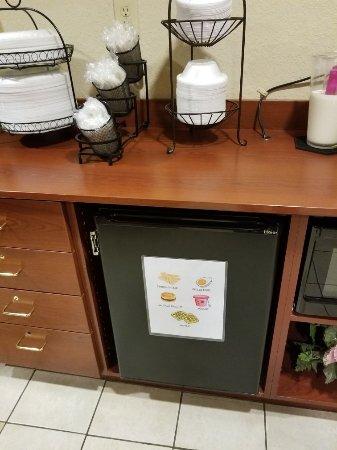 Jasper, Τζόρτζια: Breakfast room, hair dryer, soaps, etc.