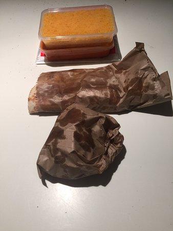 Coolum Beach, Αυστραλία: paper bag servings