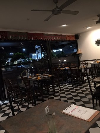 Coolum Beach, Αυστραλία: empty restaurant