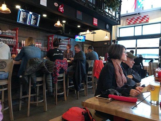 Cedar Springs, MI: Inside the restaurant