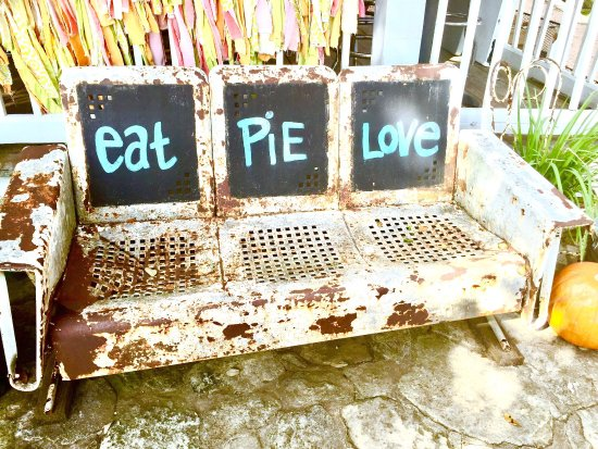 Round Top, TX: Royer's Pie Haven