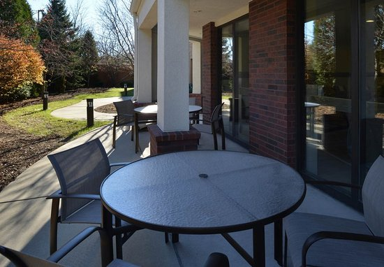 Brown Deer, WI: Outdoor Patio
